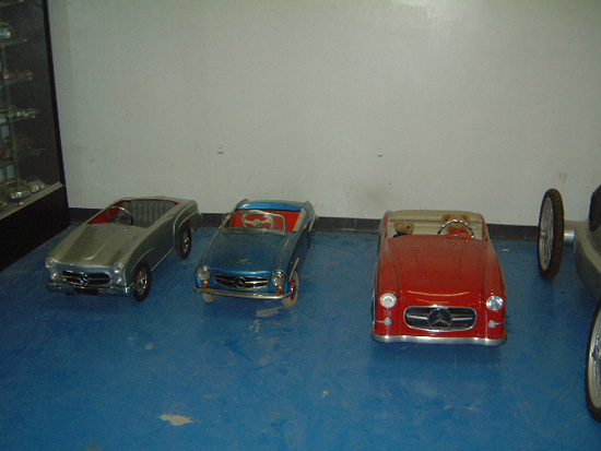 190 Mercedes pedal car, 190SL pedal car, Ferbedo, German carousel car